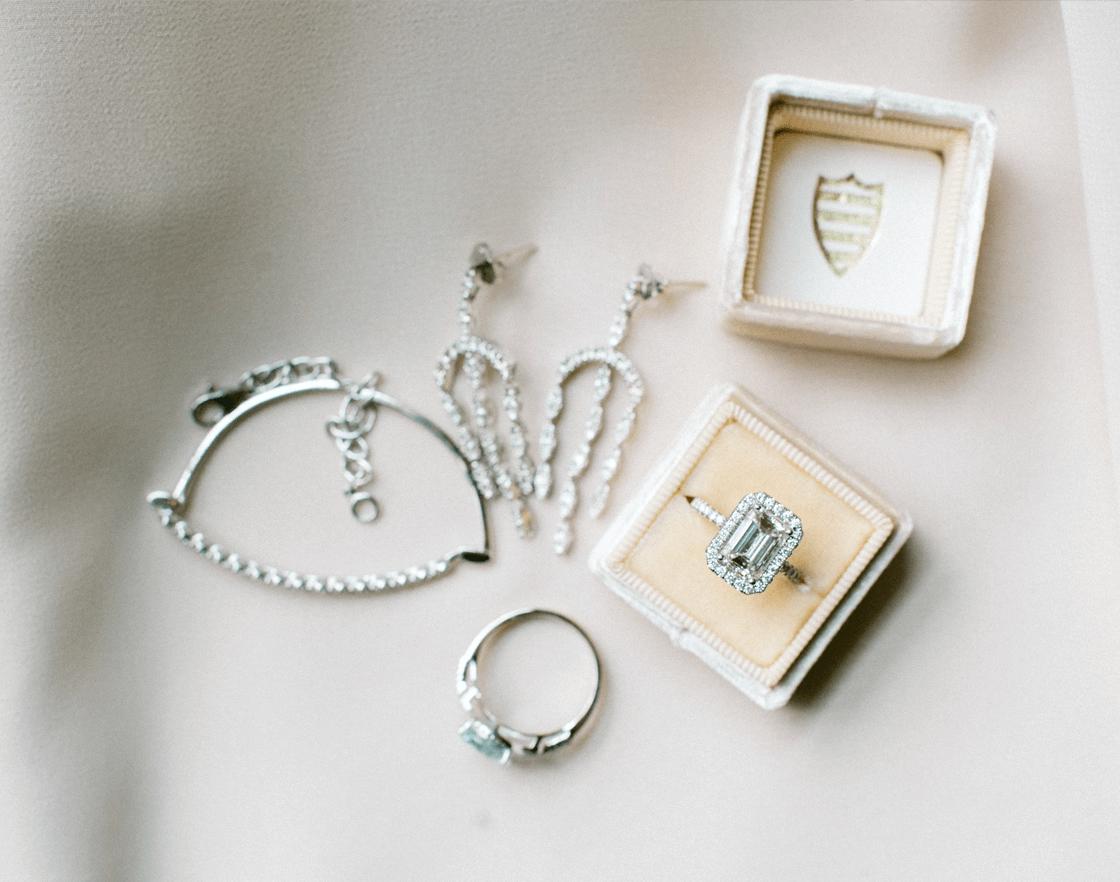 Wedding jewelry accessories